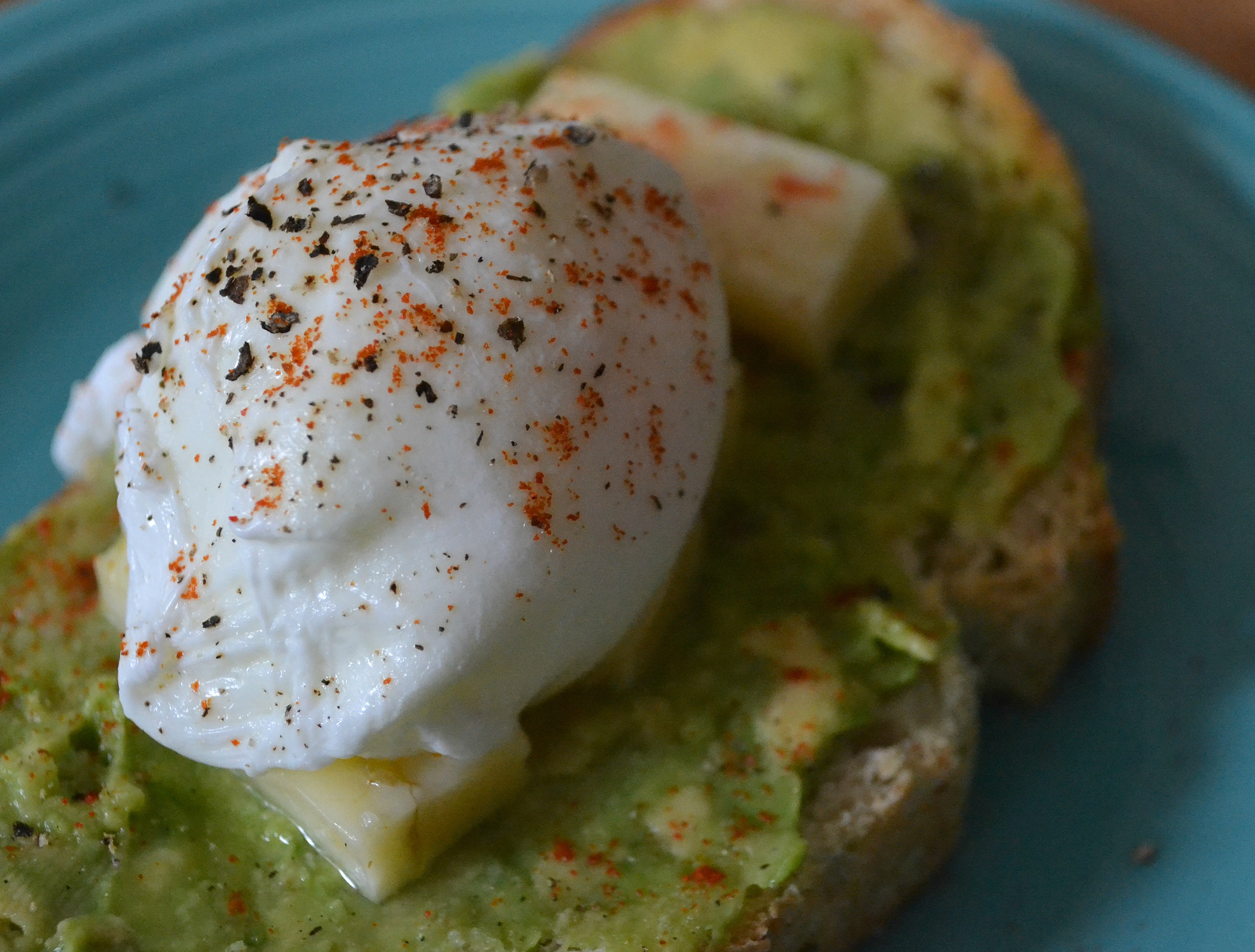 Avocado Toast with a Poached Egg | The Healthy Bachelorette