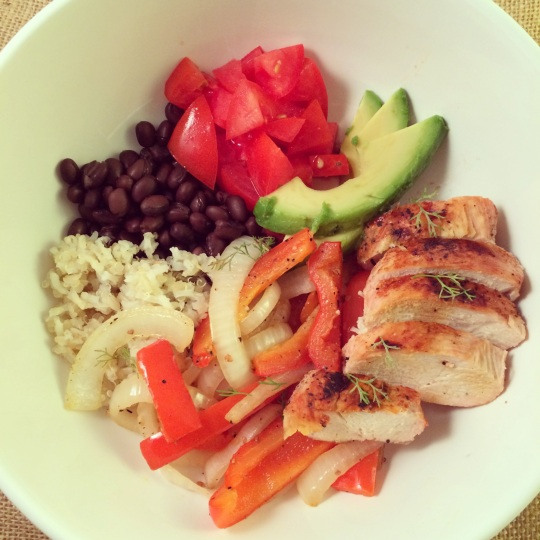 The Healthy Bachelorette: Low Carb Chicken Fajita Bowl with Quinoa