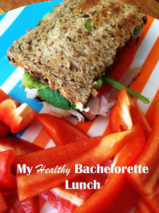 Healthy Bachelorette Lunch: Turkey Avoacdo and Tomato Sandwich